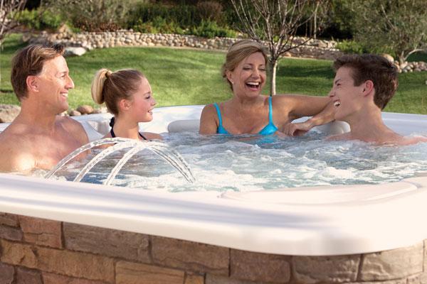 Outdoor ideen top magazin trier und top magazin - Whirlpool temperatur sommer ...